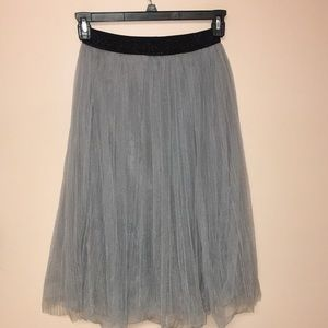 La chapelle tulle and lace skirt size XS